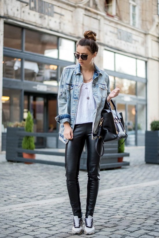 How to wear a jean jacket in the fall