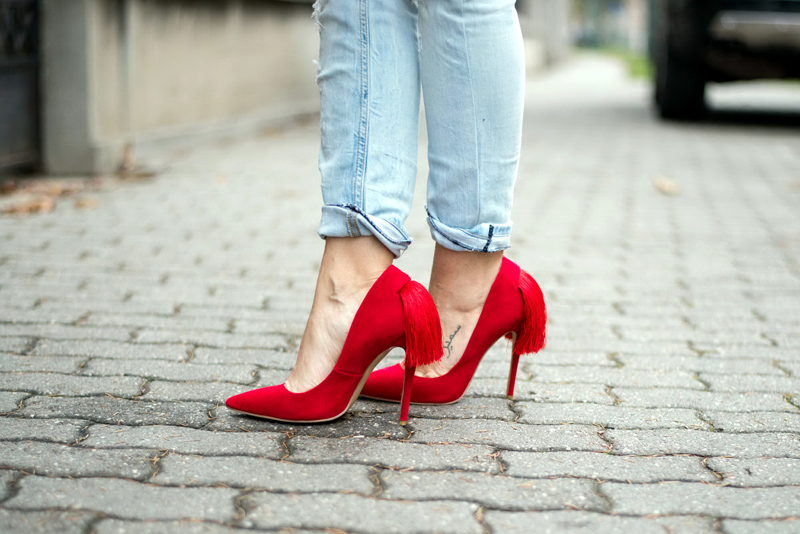 My red shoes - Living in a shoe