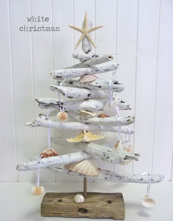 driftwood_beach_christmas_tree