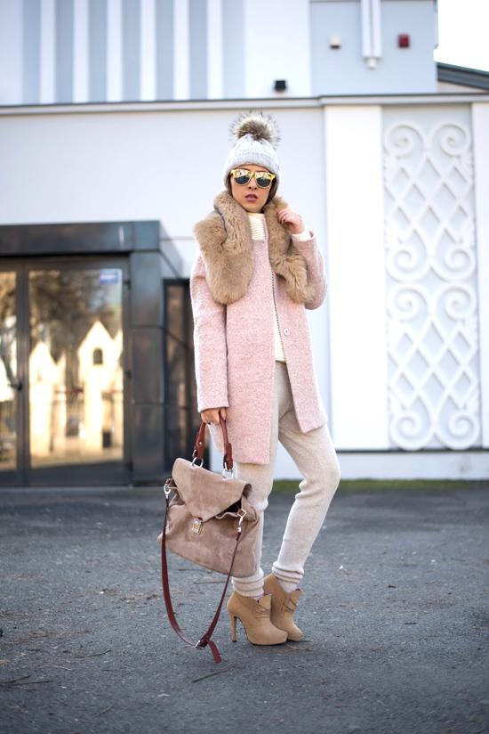cum purtam paltonul roz