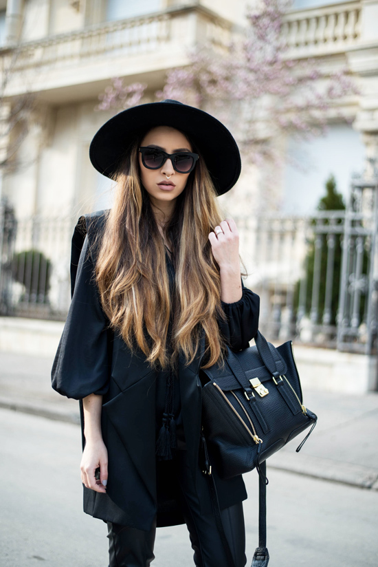 all black spring outfit